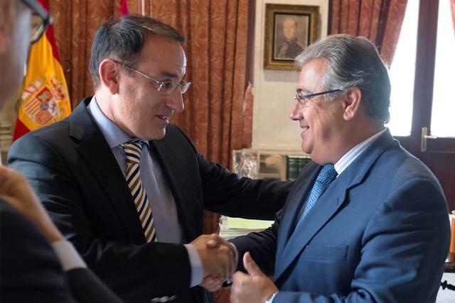 Javier González de Lara ha abordado con Juan Ignacio Zoido temas de carácter empresarial