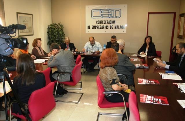 El acto ha sido organizado por la Confederación de Empresarios de Andalucía y la CEM