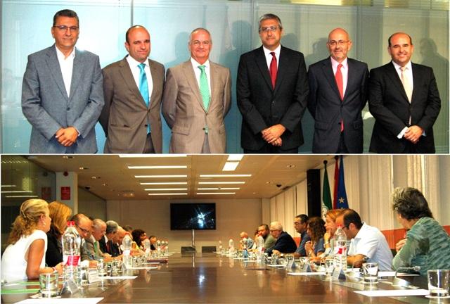 La reunión se ha desarrollado bajo la presidencia del consejero de Empleo