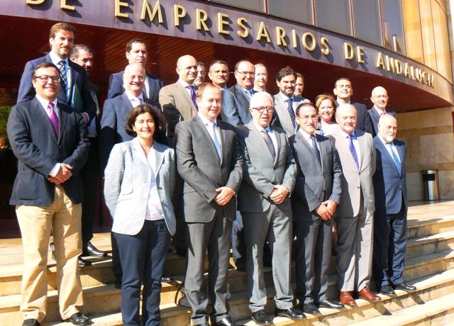 El Presidente de CEA y los miembros del Consejo Empresarial de Comercio de esta organización se reunieron con el Consejero de Empleo