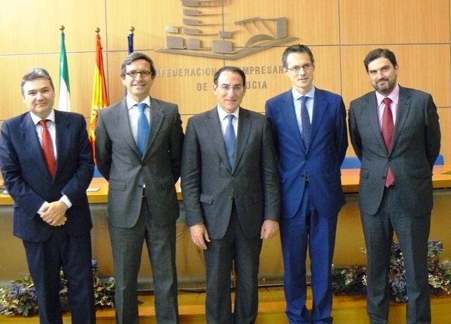 Los presidentes de CEA y de la Junta Directiva de Forética firmaron el convenio