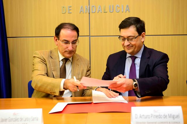 El Presidente de CEA y los Directores General y Financiero de Llorente y Cuenca suscribieron este acuerdo