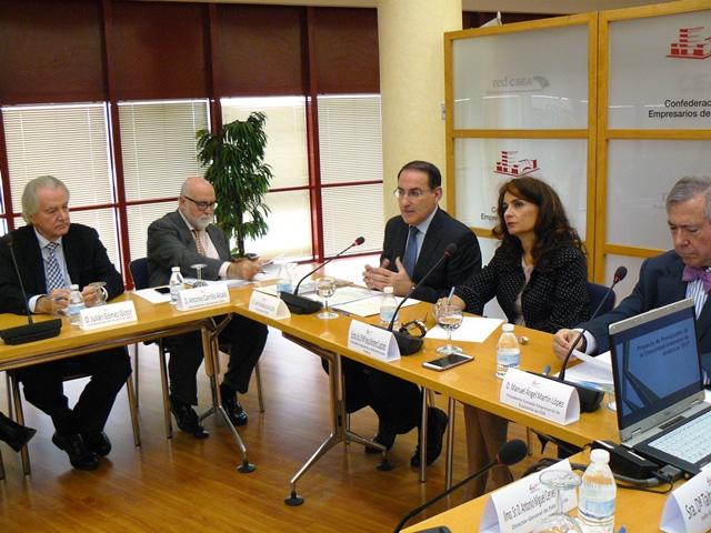 Los empresarios exponen a la Consejera de Hacienda sus propuestas sobre el Presupuesto de Andalucía