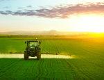 Junta, empresarios y sindicatos inician una campaña de seguridad laboral en el sector agrícola.