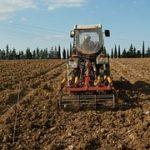 La Junta apuesta por aumentar la seguridad en los vehículos agrícolas al adaptarlos al nuevo reglamento.