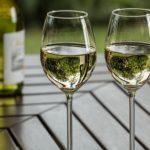 Cómo reducir el absentismo laboral en vinotecas, bares y restaurantes: prevención y promoción de la salud.