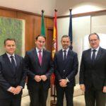 El consejero de Hacienda traslada al presidente de CEA las líneas de acción sobre reforma fiscal y agilización de trámites