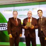 CEA entrega a la Cooperativa Agro-alimentarias de Andalucía uno de los galardones del II Premio de Andalucía Capital