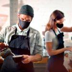 El mercado laboral andaluz responde al proceso de vacunación y al alivio de las restricciones por la pandemia